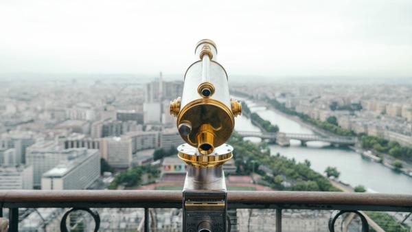 A telescope looks over Paris